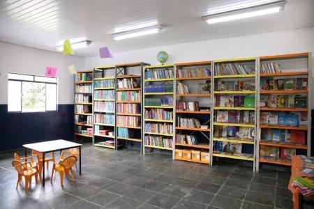 Prefeitura entrega escola ampliada e reformada à comunidade de Bandeiras, em Santa Rita de Ouro Preto